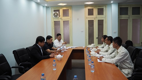 A meeting between Technical Intern Trainees of LICOGIMEC and JRE's Rep Company in Hanoi