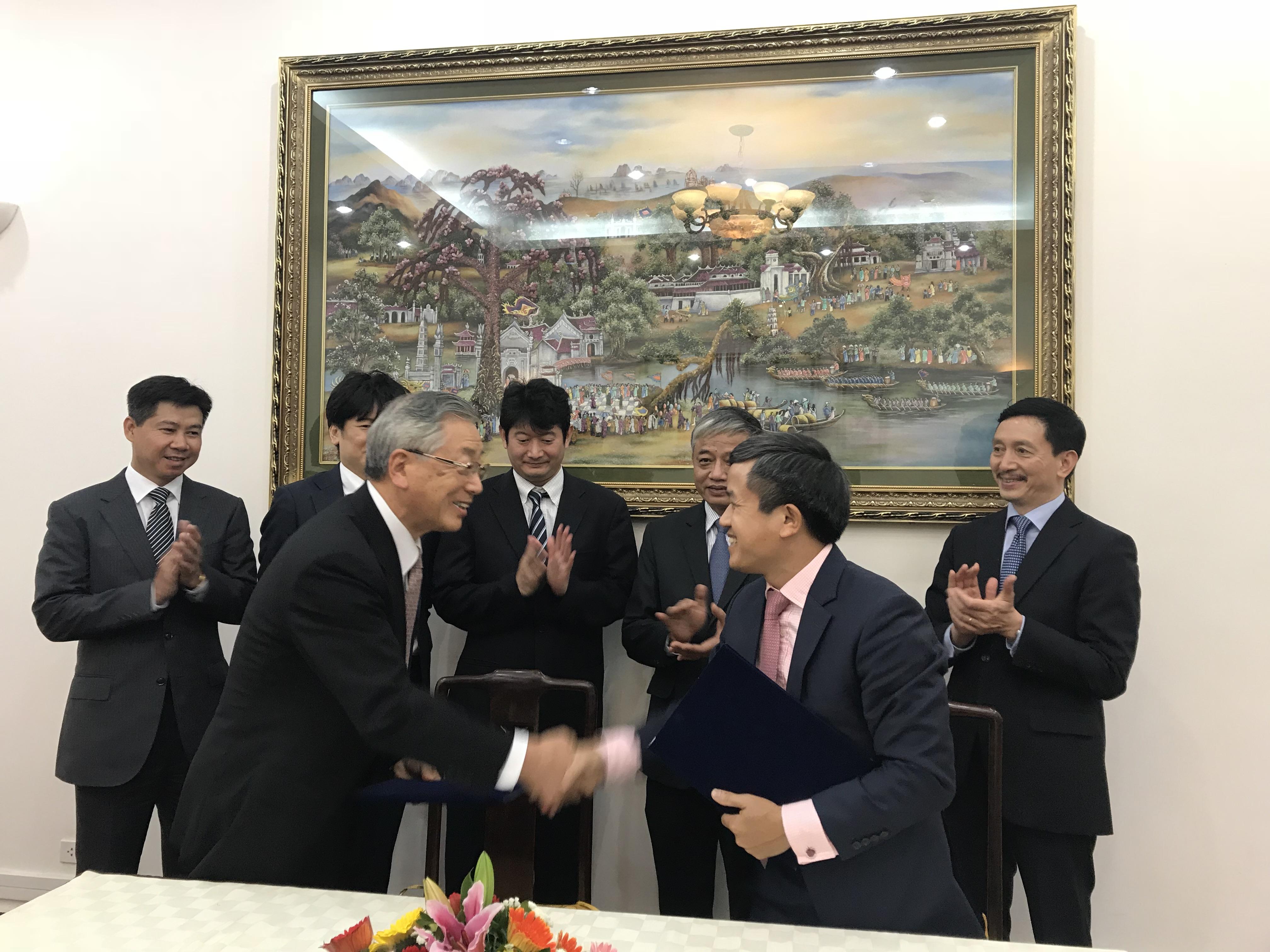 """Ký kết """"Bản ghi nhớ hợp tác về việc triển khai chương trình thực tập kỹ năng"""" giữa Việt nam và Nhật bản"""